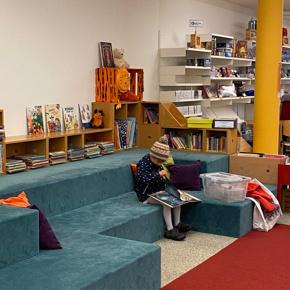 Gemeinsam zur Neueinrichtung der Bibliothek Herisau