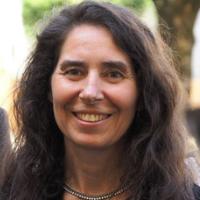 Dr. Esther Granitzer