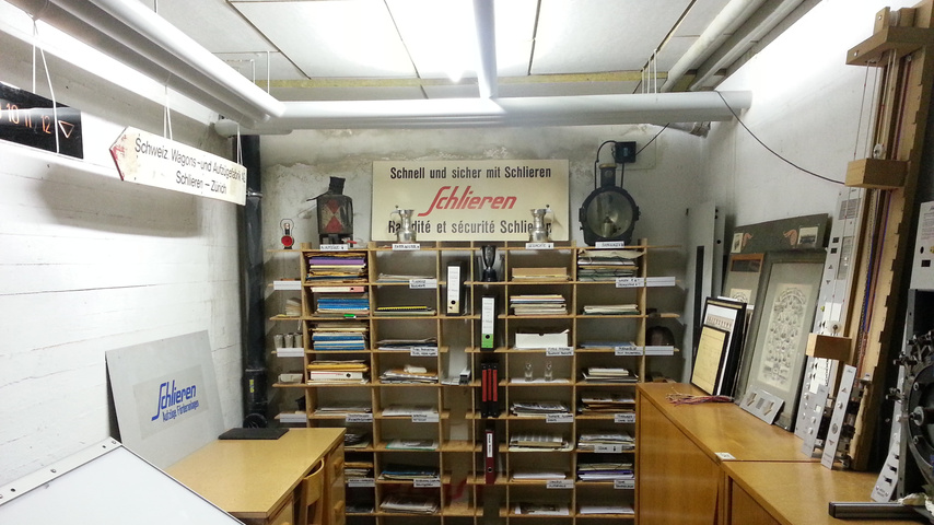 Einscannen von historischen Glasdias, Büchern, Fotos, Dias etc.
