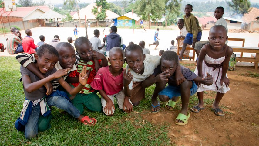 Mon adolescence, de la rue à chez moi - Documentaire au Rwanda